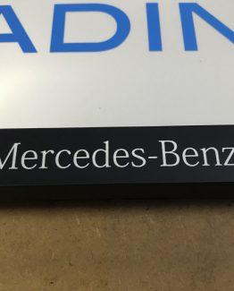 Kentekenplaathouder Mercedes-Benz wit